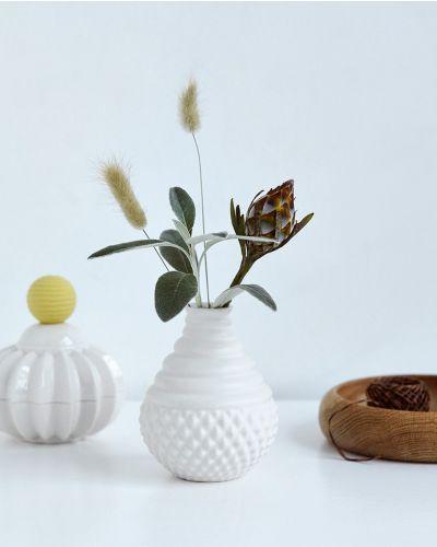 Samsurium Tumbletop White vase